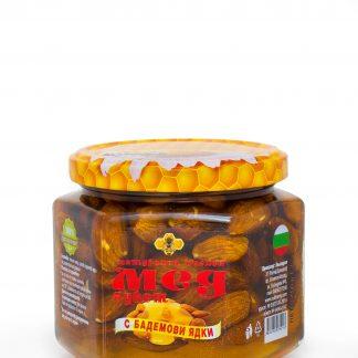 Мед букет с бадемови ядки